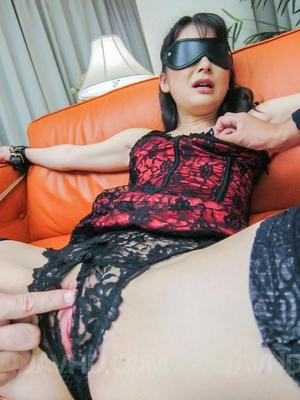 Blindfold Nude Pics